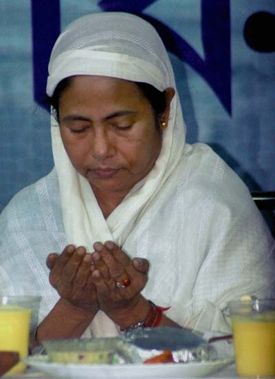 Hindu hater mamata banerjee islam follower