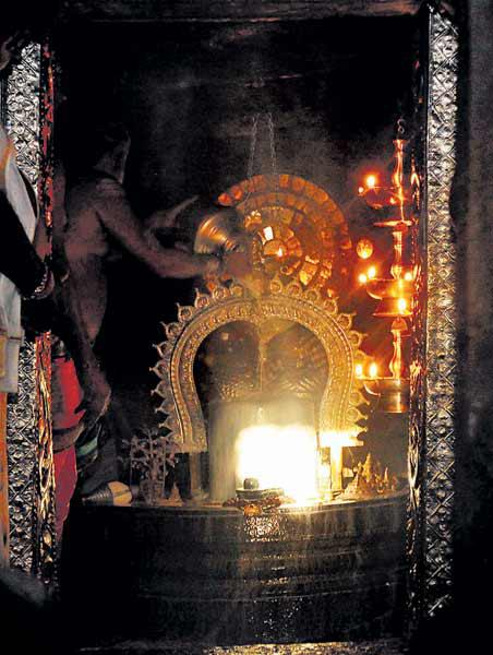 Sun Beaming Rays on Shiv Ling in Gavi Gangadhareshwara Temple