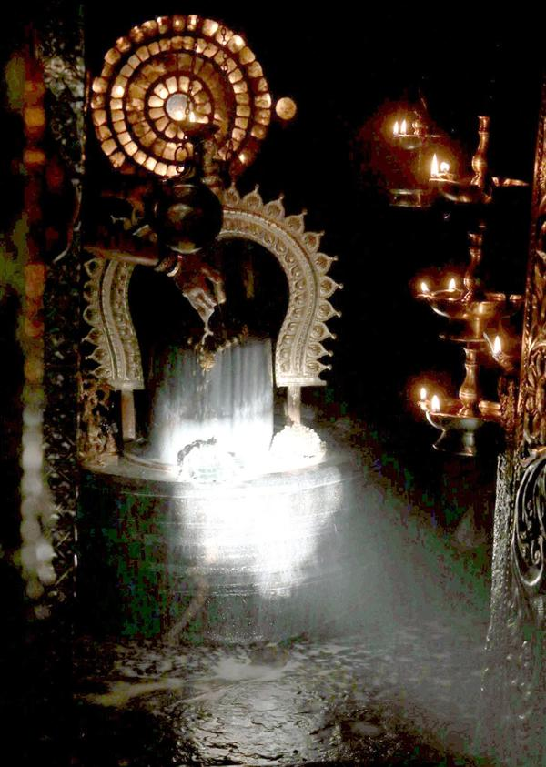 Sun Light on Shiv Lingam in Sun Rays on Shiv Ling in Gavi Gangadhareshwara Temple